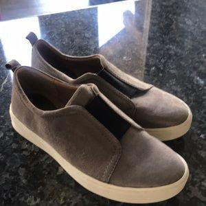 Soffi slip on shoes